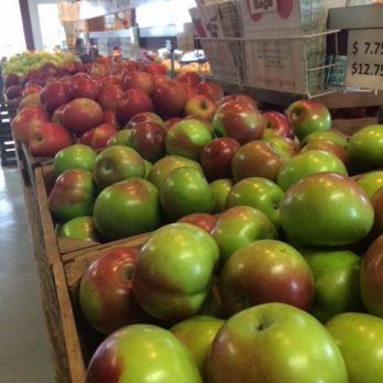 You may Pack-Your-Own here at Monroe's Orchard to mix varieties!